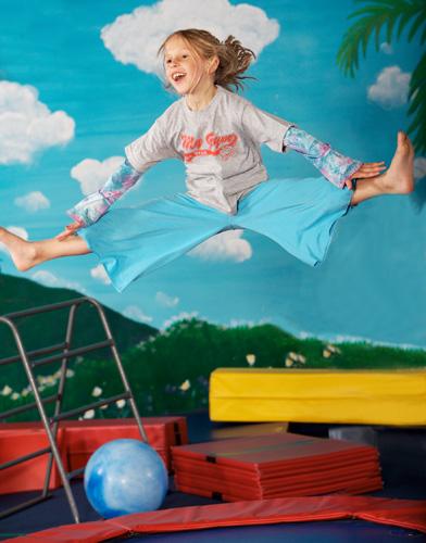 My Gym Champions Zıplayan Mutlu Çocuk